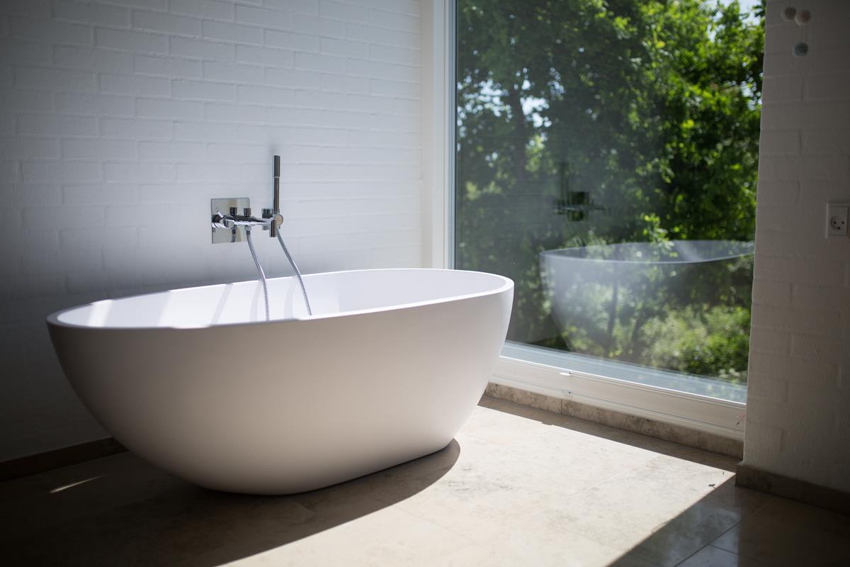 Łazienka, w której poczujesz się jak w tropikach. Porady aranżacyjne